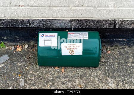 Rentokil pest control rat traps - Stock Image