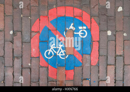 No cycling sign painted on a pavement. - Stock Image