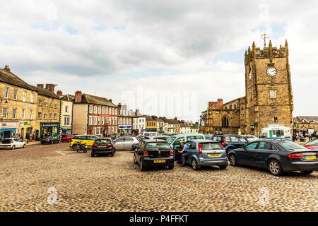 Richmond market town, North Yorkshire, England, Richmondshire, Richmond Town Yorkshire, Richmond Town, Richmond Yorkshire, Richmond, Yorkshire, Towns - Stock Image