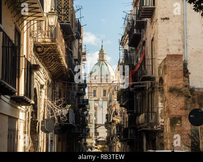 Characterful street in the City of Palermo, Sicily, Italy - Stock Image