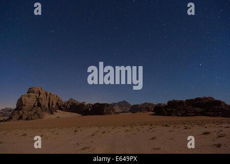 Starry sky, Wadi Rum desert, Jordan - Stock Image
