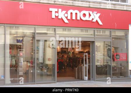 TK Maxx shop front, Northgate Street Gloucester - Stock Image