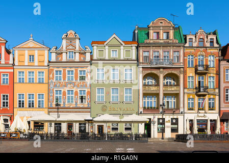 Poznan Square, view of colorful Baroque houses in the Market Square (Stary Rynek) in Poznan Old Town, Poland. - Stock Image