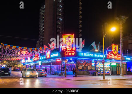 The Red Lion Pub in the New Town, Benidorm, Alicante Province, Spain. - Stock Image