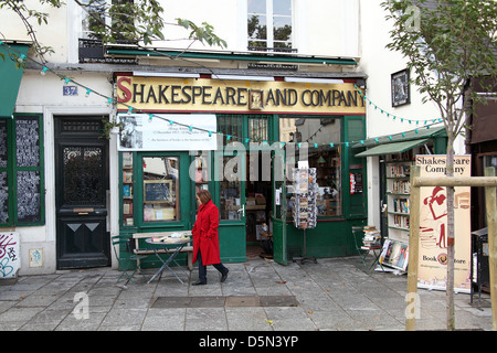 The famous Shakespeare and Company bookshop in Paris France - Stock Image