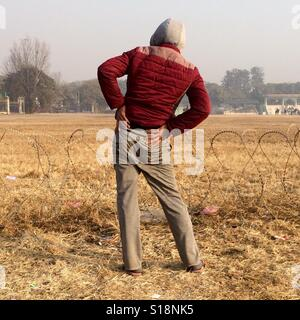 Man exercising in the park - Stock Image