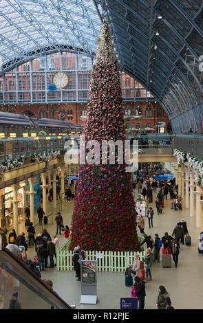 Christmas at St Pancras Station - Stock Image