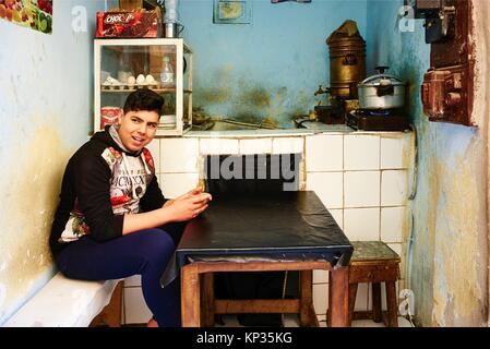 A small traditional coffee shop in the medina of Fez, Morocco - Stock Image