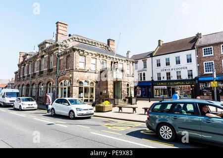 Northallerton Town Hall building, Northallerton Town Council, Town Hall Buildings, Town hall Northallerton Yorkshire UK, town hall, town halls, UK - Stock Image