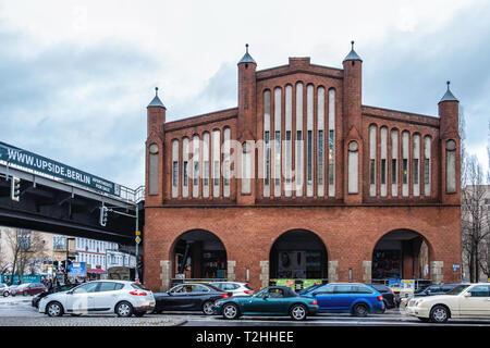 Berlin-Friedrichshain.Warschauer Straße railway station viaduct. Built 1900-1902 in Brick Neo-Gothic style. - Stock Image