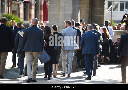 Brighton UK 3rd October 2018 - The Duke and Duchess of Sussex after visiting the Royal Pavilion in Brighton today as part of their first visit to the county where they have been to Chichester and Bognor as well as Brighton Credit: Simon Dack/Alamy Live News - Stock Image