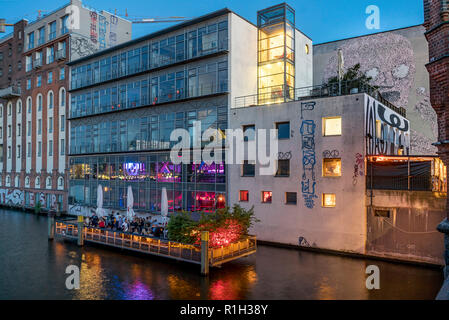 Watergate Club open air terasse on river Spree at twilight, Berlin, Germany - Stock Image