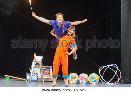 Edinburgh, UK. 10th April, 2019. Chemist Maria Corcoran (In blue) and engineer Aoife Raleigh (orange) demonstrate their skills during the photo call for StrongWomen Science abrand-new circus science showat Edinburgh Science Festival starring two womenscientiststurned circus performers who reveal thescientific secretsbehind theirastounding tricks. Credit: Roger Gaisford/Alamy Live News - Stock Image
