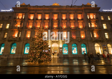 CH Zurich Bank Credit Suisse Paradeplatz christmas tree Zuerich Credit suisse Weihnachtsbaeume - Stock Image