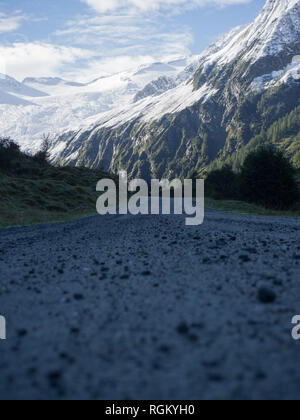 Hiking trail in alps - Stock Image