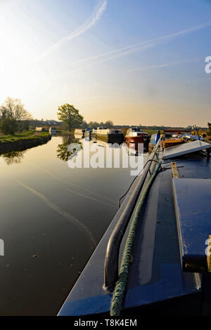 Canal boats on the mooring morning 20.4.19  The narrow boat Emma Maye on a beautiful spring morning on her mooring at Crabtree Lane mooring. Cw 6700 - Stock Image