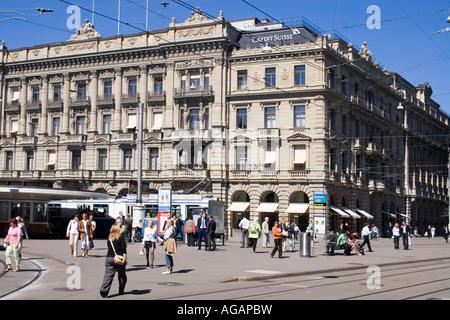 Switzerland Zurich credit suisse Bahnhofstrasse Paradeplatz people - Stock Image
