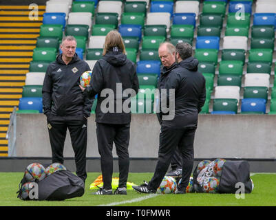 Windsor Park, Belfast, Northern Ireland.20 March 2019. Northern Ireland training in Belfast this morning ahead of their UEFA EURO 2020 Qualifier against Estonia tomorrow night in the stadium. Northern ireland manager Michael O'Neill (left) at training. Credit: David Hunter/Alamy Live News. - Stock Image