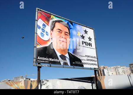 António Marinho e Pinto MEP Portugal - Partido Democrático Republicano PDR billboard in Porto City Centre, Portugal Europe EU  KATHY DEWITT - Stock Image
