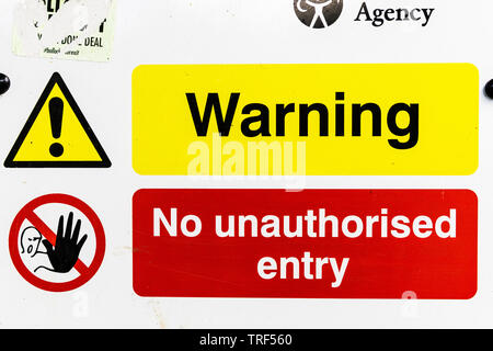 Warning sign, No unauthorised entry sign, No unauthorised entry, sign, signs, Warning signs, warning No unauthorised entry sign, stop, no entry - Stock Image