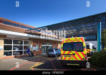 Ambulance parked outside main entrance of Worthing Hospital - Stock Image
