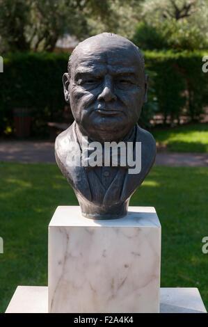 Bronze Statue head of Winston Churchill in Roquebrune Park, France - Stock Image