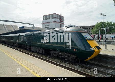 HST Motor Car 43041 'Meningitis Trust' Support for Life, at Reading Station -1 - Stock Image