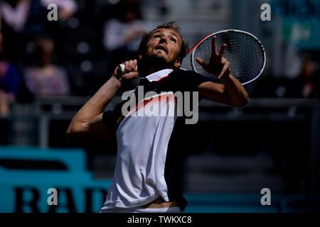 Queen Club, London, UK. 21st June, 2019. The ATP Fever-Tree Tennis Tournament; Daniil Medvedev (RUS) serves to Diego Schwartzman (ARG) Credit: Action Plus Sports/Alamy Live News - Stock Image