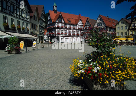 The market square and town hall of Bad Urach in Germany, in the Baden-Wurttemburg area - Stock Image