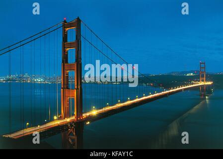 United States Of America California San Francisco The Golden Gate Bridge In The Background To The 1937 San Francisco - Stock Image