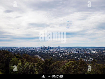 A view toward the Brisbane skyline. - Stock Image