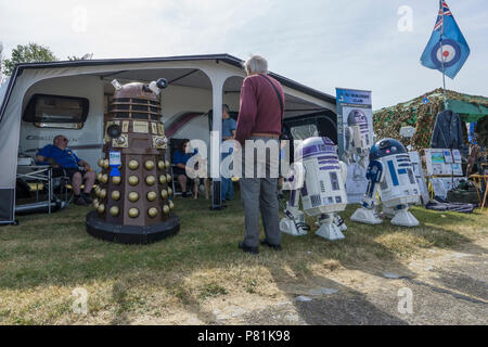 Models of Dalek and R2-D2 at Wings and Wheels - Stock Image