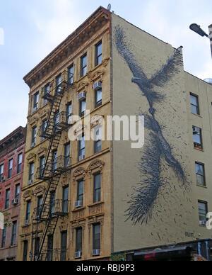 Art - Proletariat, 102, Saint Mark's Place, East Village, Manhattan New York, NYC, USA - Stock Image