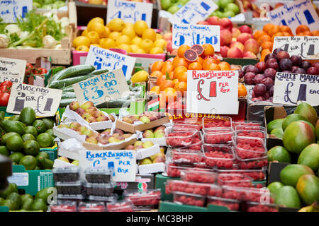 Detail shot of street fruit stall in London, with price labels in Sterling Pounds. - Stock Image