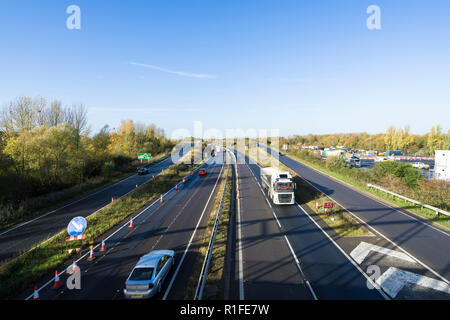 A14 looking West from Milton cycle/pedestrian bridge 10/11/2018 - Stock Image
