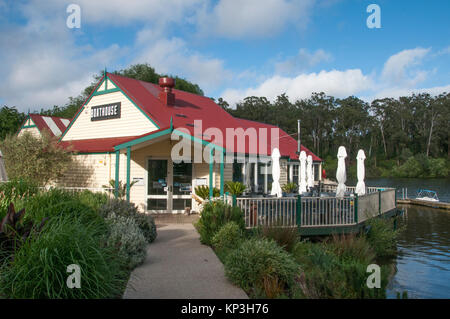 Boathouse Cafe on Lake Daylesford, a popular weekend destination in the Central Highlands spa country of Victoria, - Stock Image