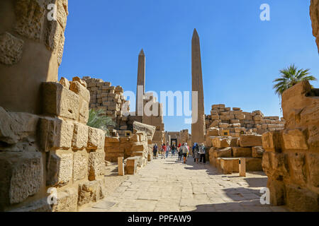 The Obelisk of Queen Hapshetsut at the Karnak Temple Complex, also known as The Temple of Karnak, in Thebes, Luxor, Egypt - Stock Image