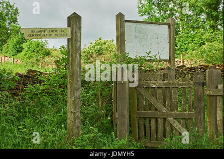 Fingerpost direction sign and local map high up in the Cotswolds near Cutsdean, showing the way to Oldborough Ture, - Stock Image