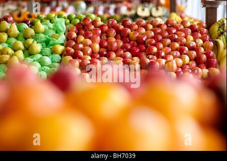 Fresh fruit for sale at greengrocer's shop - Stock Image