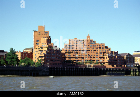 Modern Architecture Along the North Bank of the River Thames - Stock Image