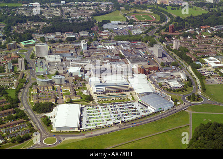 Aerial view of Harlow Town Centre featuring the shopping centre, offices and public buildings - Stock Image