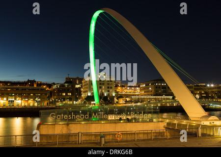 Gateshead Millennium Bridge, Newcastle on Tyne, England - Stock Image