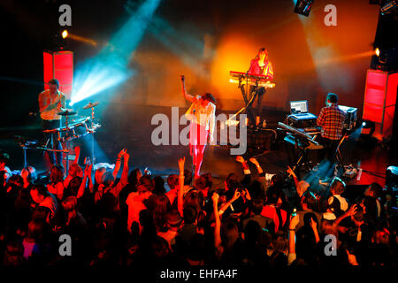 La Roux live at Matter 19th August 2009. - Stock Image