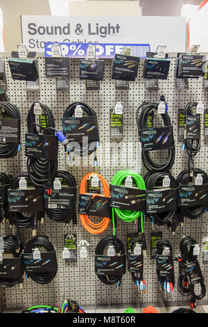 LONDON, UK -10th Mar 2018: Maplin store at their Eastcheap branch in Monument offers heavy discounts to customers - Stock Image