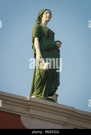 Statues on top of an old portuguese colonial building, Luanda Province, Luanda, Angola - Stock Image