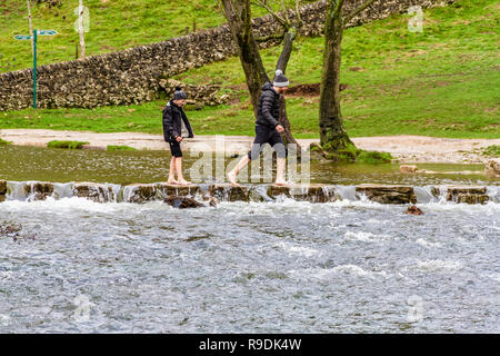 Staffordshire, UK. 22nd December, 2018. Mild day with scattered clouds marks the start of the Christmas break for many at Dovedale, Peak District, Staffordshire, UK. Credit: © JHNews / Alamy Live News - Stock Image
