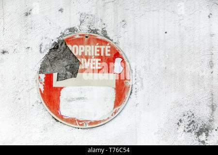 old traffic sign on the side of a building in Gustavia, St Barts - Stock Image