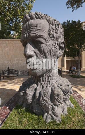 Azerbaijan, Baku, Old City (Icari Seher), Vahid Garden, bust of poet Vahid - Stock Image