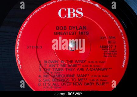 Bob Dylan Greatest Hits vinyl record & label - Stock Image