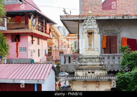 Detail of Saravoan Techo Pagoda in Phnom Penh, Cambodia. The temple complex is located in the old part of town. - Stock Image
